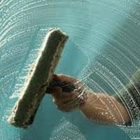 Qu'est-ce que le nettoyage de vitres chez D&J?